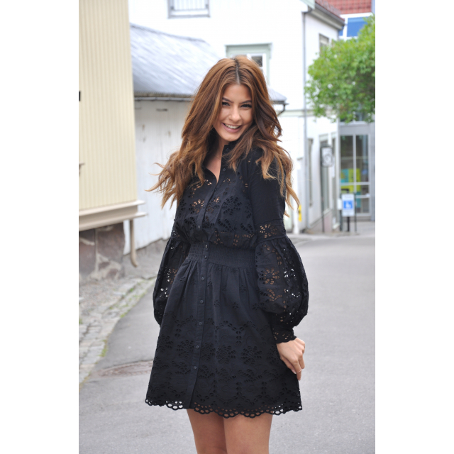 DRESS BRODERIE ANGLAISE BLACK