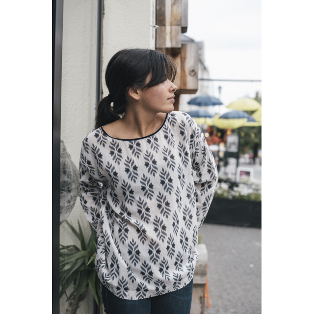 VOILE ROUNDNECKED TOP