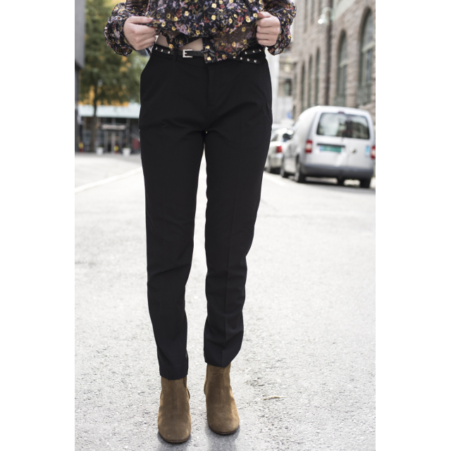 CLASSIC TAILORED PANT
