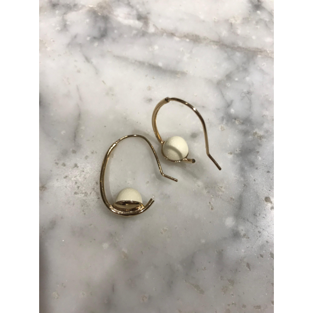 PORCELAIN ON GOLDPLATED HOOPS