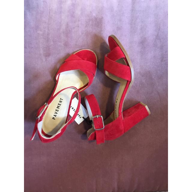 Silke Cross Sandal