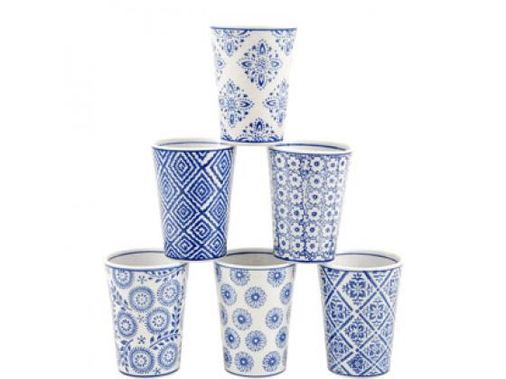 Kopp med blått mønster