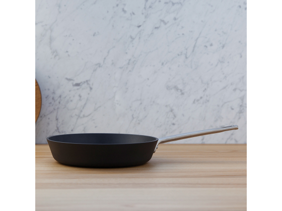 Frying Pan, non-stick 24 cm