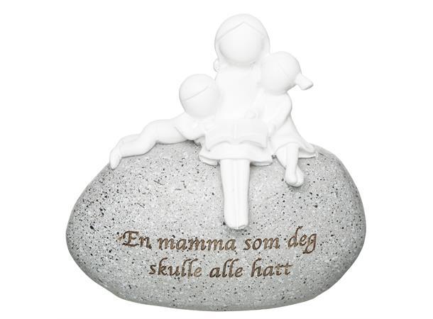 FIGUR PÅ STEIN, MAMMA H:9CM