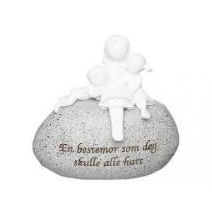Figur på stein Bestemor